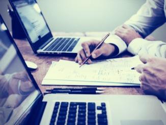 Erfolg mit Finanzen - Diese Versicherungen muss jeder haben!